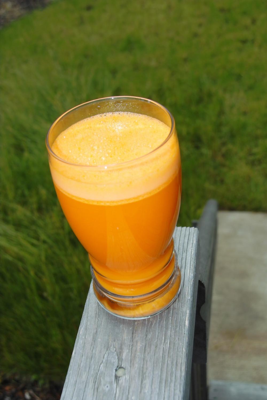 carrot-juice-665825_1920.jpg